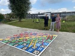 Installation d'un jeu de l'oie au pied de la résidence-services « Les Bassins »