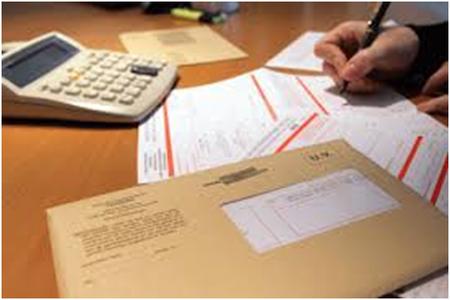 Séance de remplissage des déclarations fiscales